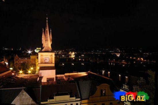 Praqanın gecə görüntüsü (Fotolar)