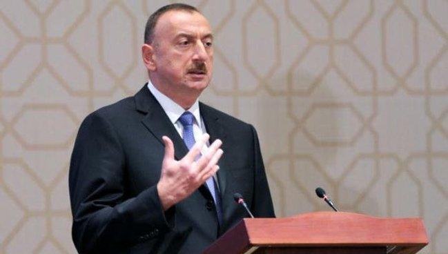 """Prezident: """"İki uzunqulağın arpasını bölə bilməyən bizə dərs öyrədir"""""""