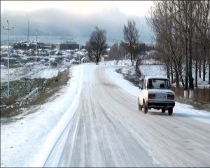 Şamaxı və İsmayıllıda yollar buz bağlayıb: hərəkət çətinləşib
