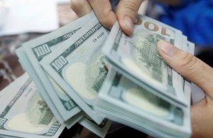 Azərbaycan bankları dollar satışına limit qoydular