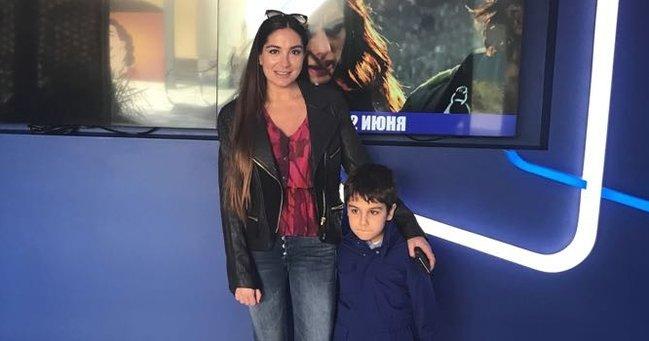 Arzu Əliyeva oğlu ilə kinoteatrda - FOTO