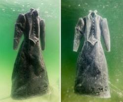 Ölü dənizdən çıxan paltar hər kəsi təəccübləndiridi - FOTO