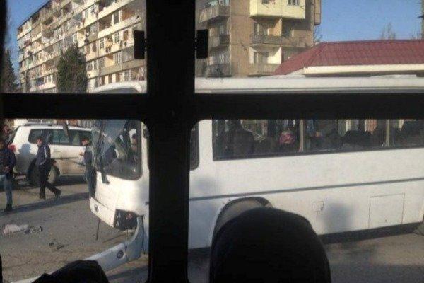 """Bakıda avtobus """"Prado""""yla TOQQUŞDU"""