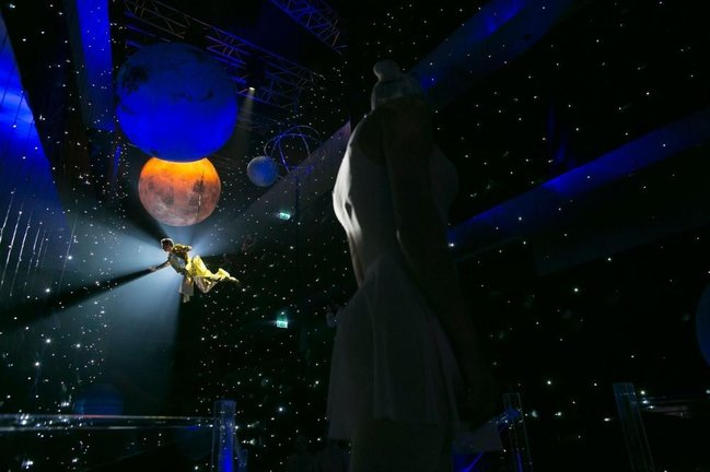 Kosmik ab-havada olan toy - FOTOLAR