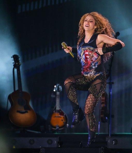 Şakiranın Türkiyə konsertində izdiham yaşandı - FOTO/VİDEO