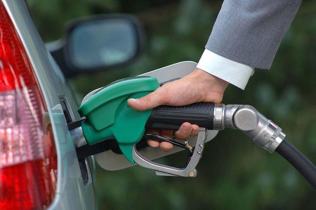 Bir ayda benzindən əldə edilən gəlir açıqlandı