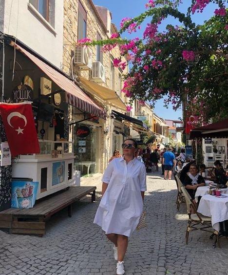 Azərbaycanlı aparıcı Türkiyədə istirahət edir - FOTOLAR
