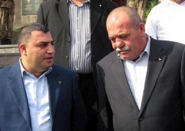 Ermənistanda ölü biznesi: Generalın oğlu meyitləri basdırmağa qoymur
