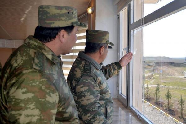Müdafiə naziri xüsusi təyinatlıları, komandirləri cəbhəyə yığdı - FOTOLAR