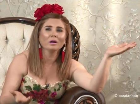 4 uşaq anası Elnarə efirə geyindiyi paltarla təəccübləndirdi - FOTOLAR