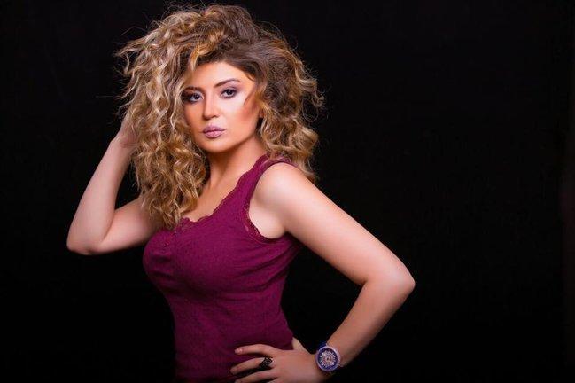 """Sabina yataqda: """"Mənə yaxın gəl, məni möhkəm qucaqla ..."""" - + VİDEO"""