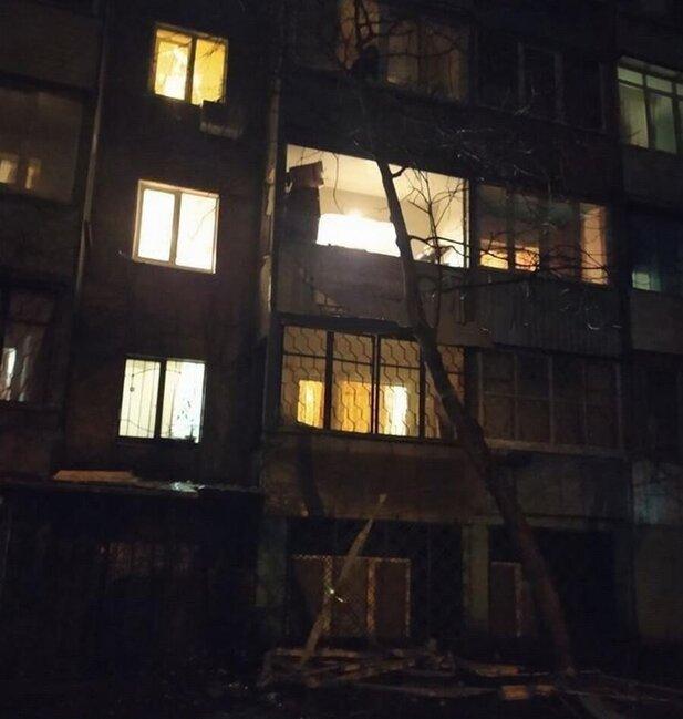 Eyvanda partlayış: ev yiyəsi QOLSUZ QALDI - FOTO